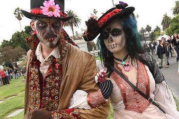 Dia-de-los-muertos-at-hollywood-forever-cemetery.2699912.56