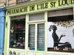 P457792-Paris-Paris_storefront