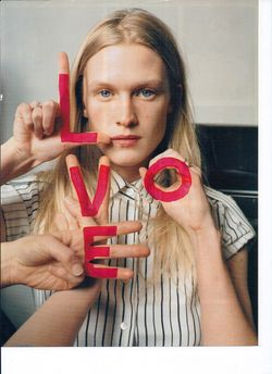 VOGUE-ITALIA-TIM-WALKER-LOVE-002